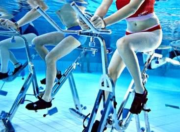 L'aquabiking : le vélo sous l'eau fait carton plein !