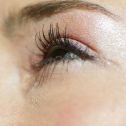 Lunettes : pour ou contre l'opération des yeux ?